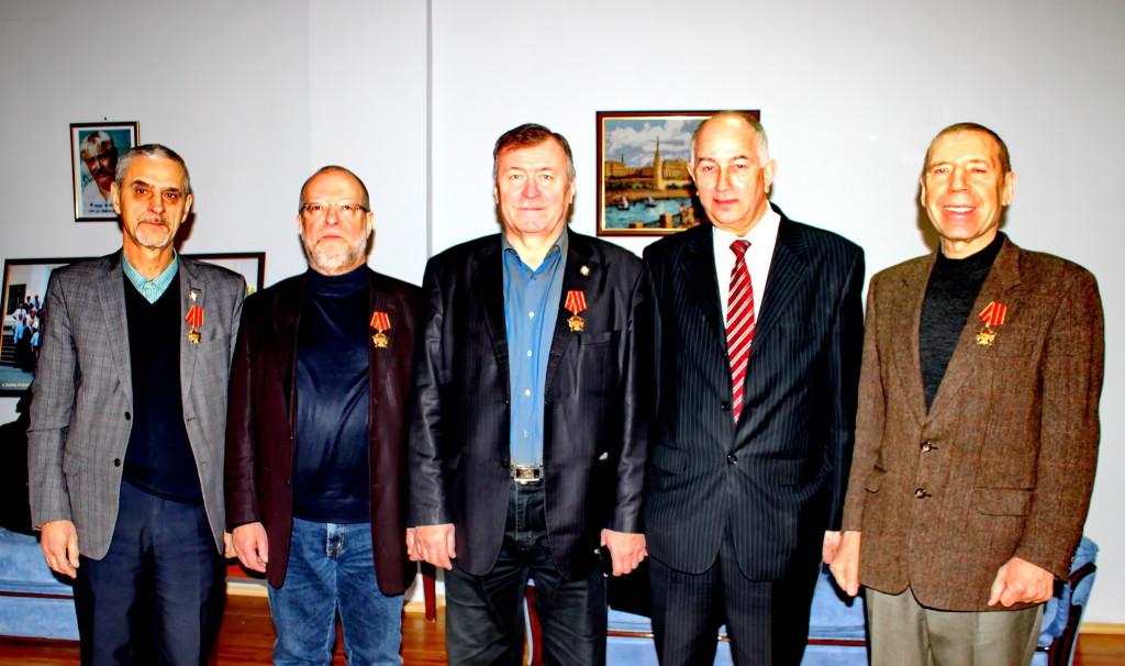 Слева направо: Геннадий Щербаков, Анатолий Паников, Владимир Кропчев, Иван Евгенов, Александр Вычукгжанин.